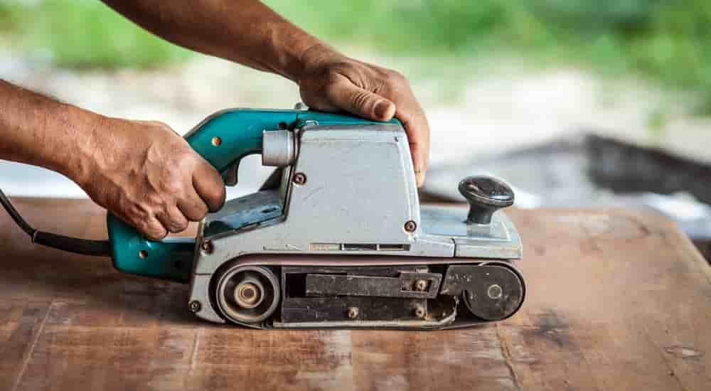 how to use a belt sander on a deck